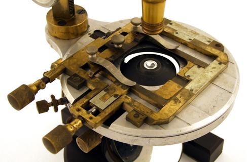 Mikroskop aus aluminium museum optischer instrumente