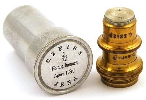 Reisemikroskop aus aluminium museum optischer instrumente